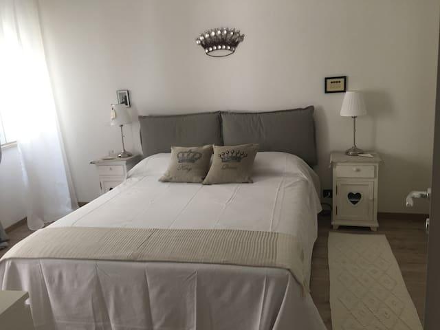 Comodo appartamento in pieno centro storico - Reggio Emilia - Byt