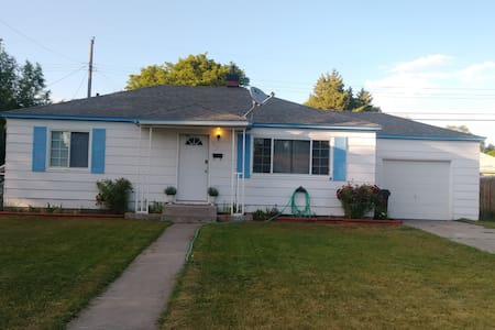 Comfortable House with Large Kitchen, fenced yard.