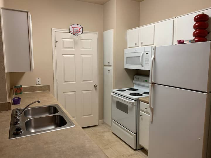 GREAT AREA! Cheap 1BDRM