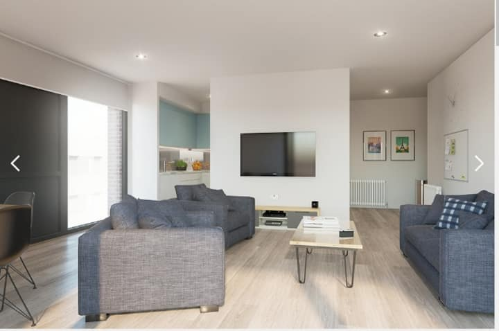 Student Only Property: Spotless Twin Bed Studio - LOS 12 months 10% off
