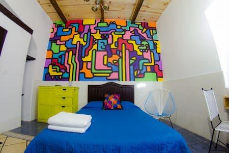 Cozy building in Puebla Center in private room ! - Heroica Puebla de Zaragoza - Bed & Breakfast