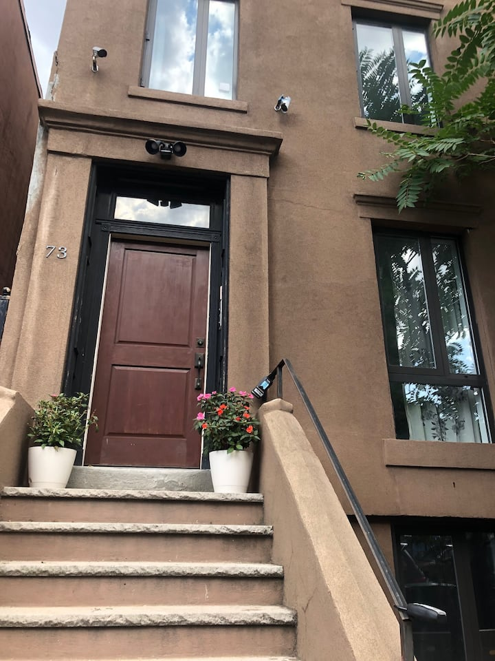 Cozy and Charming 1BR Fort Greene Getaway