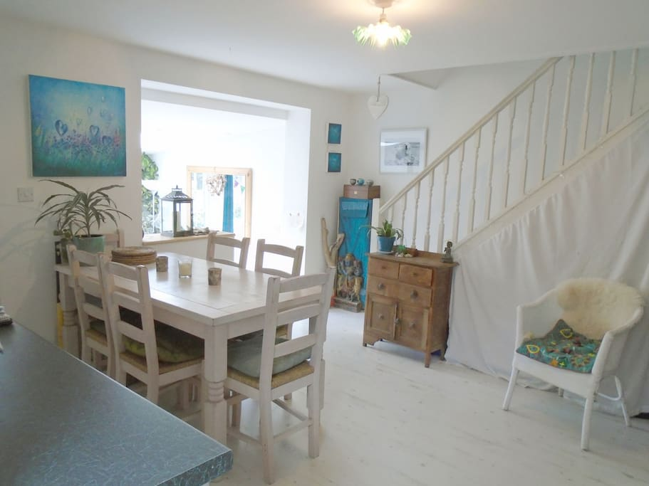 Dinning area and open plan kitchen