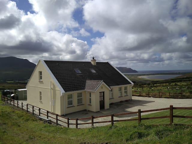 Atlantic View - Clonmany - Hus