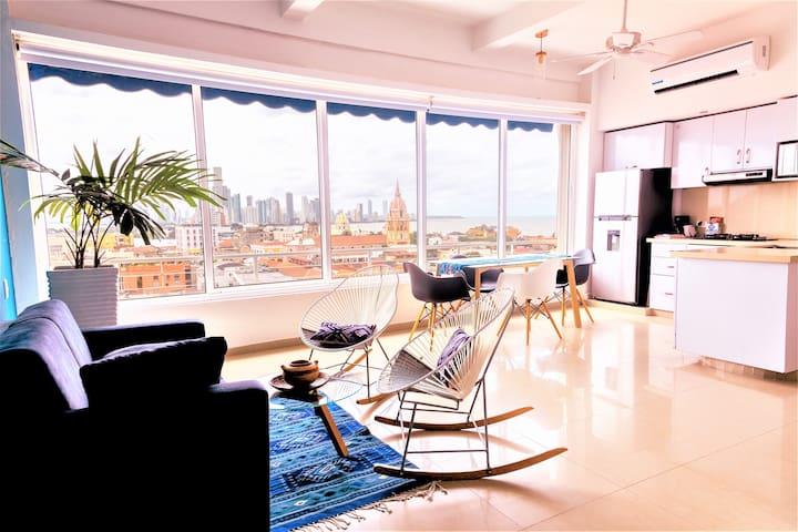 Highest Panoramic View Loft inside Walled City!