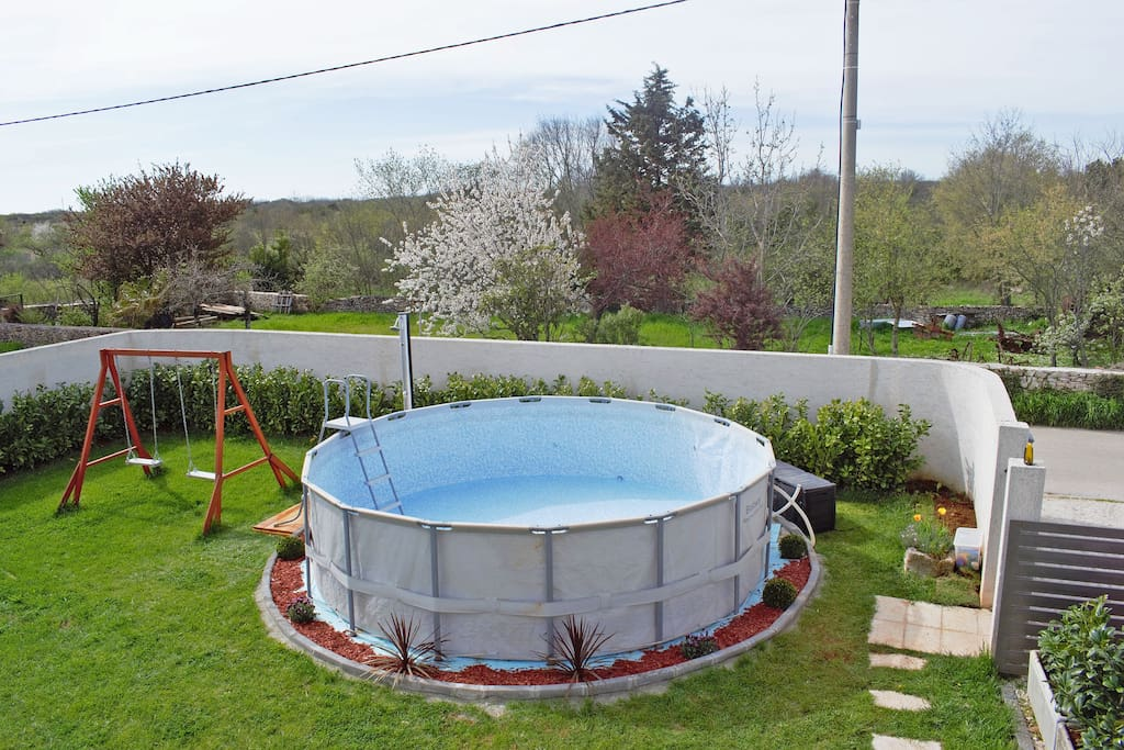 New in 2018 - above ground swimming pool 5mx5mx1,5m depth