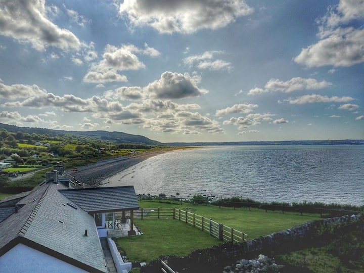 Ty Gwyn-An inspiring escape for six by the sea with Llanddona beach at the bottom of the garden.
