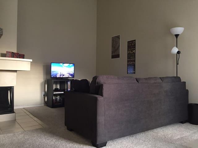 1 Bedroom Apartment in North Dallas Suburb! - Irving - Apartamento