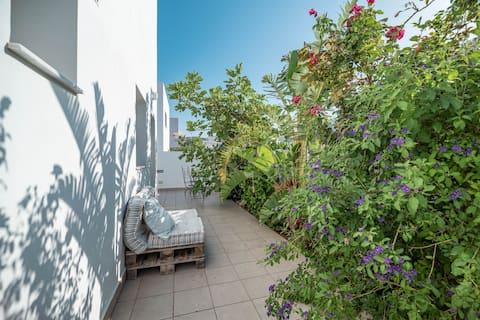 Bahçeli tasarımcı dairesi
