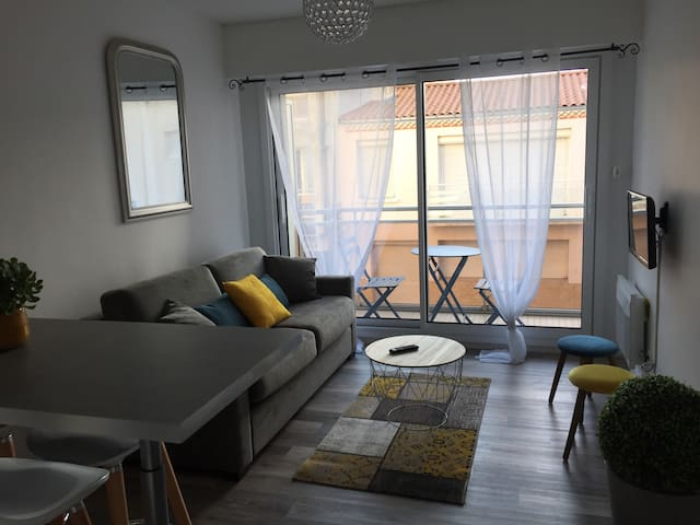 Lovely studio by the beach!