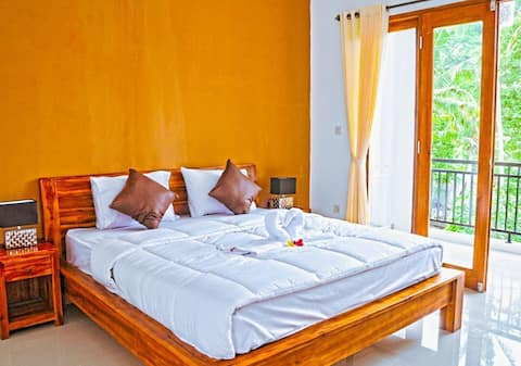 Kandy, Sri Lanka. Stay as your own home with green