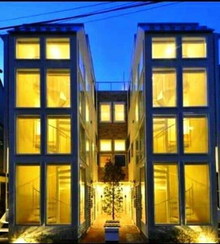 《Morning!Tokyo》西新宿的超美联排别墅,知名设计师作品,高品质,地铁站步行4分钟
