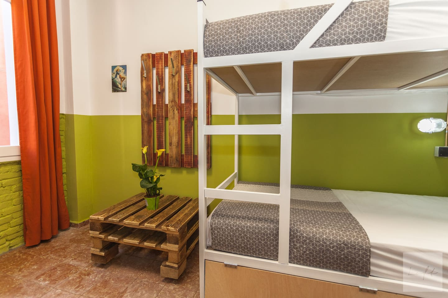 Bed in 6 Bed Room (Private Bathroom)