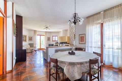 Villa Margherita - Charming APT with Garden