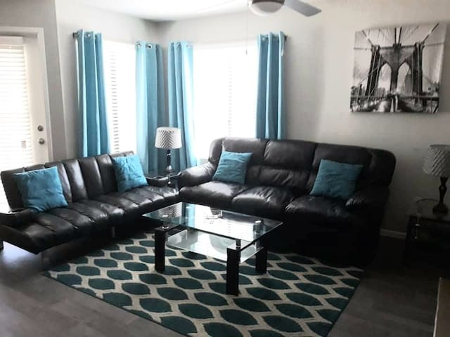 Quiet 2Bed/2Bath condo near the Strip