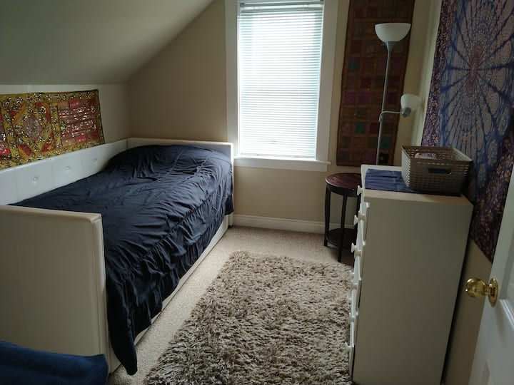Small room,  big appeal!