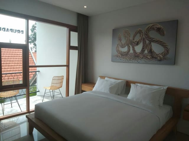 D'Batan Kendal Studio Pererenan Room #7