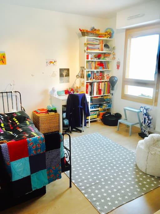 Chambre enfant (lit simple)