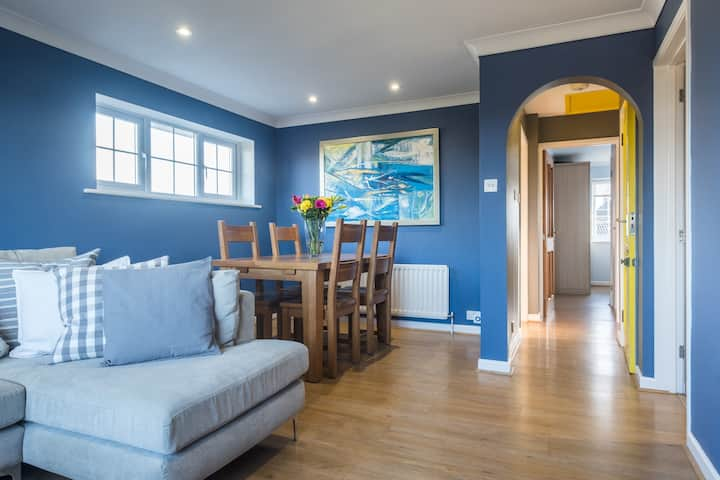 Modern bright maisonette close to the New Forest