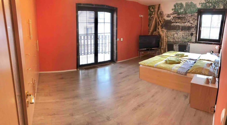 Bedroom 2, second floor, Large room with balcony, TV, king size double bed, big wardrobe
