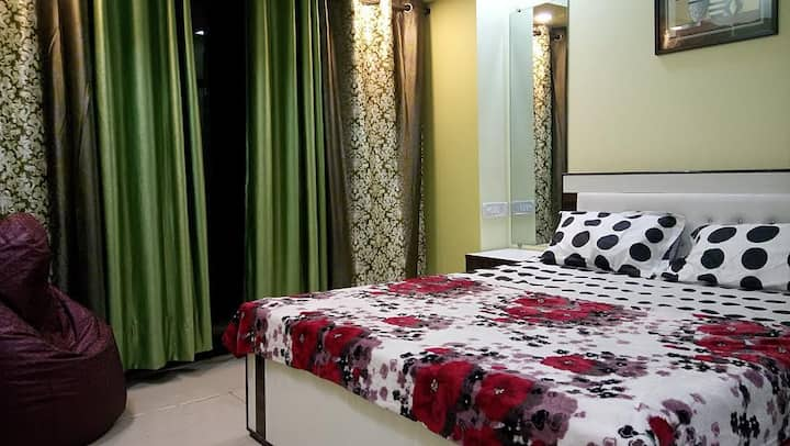 Cozy 2BHK with Beautiful Scenic view