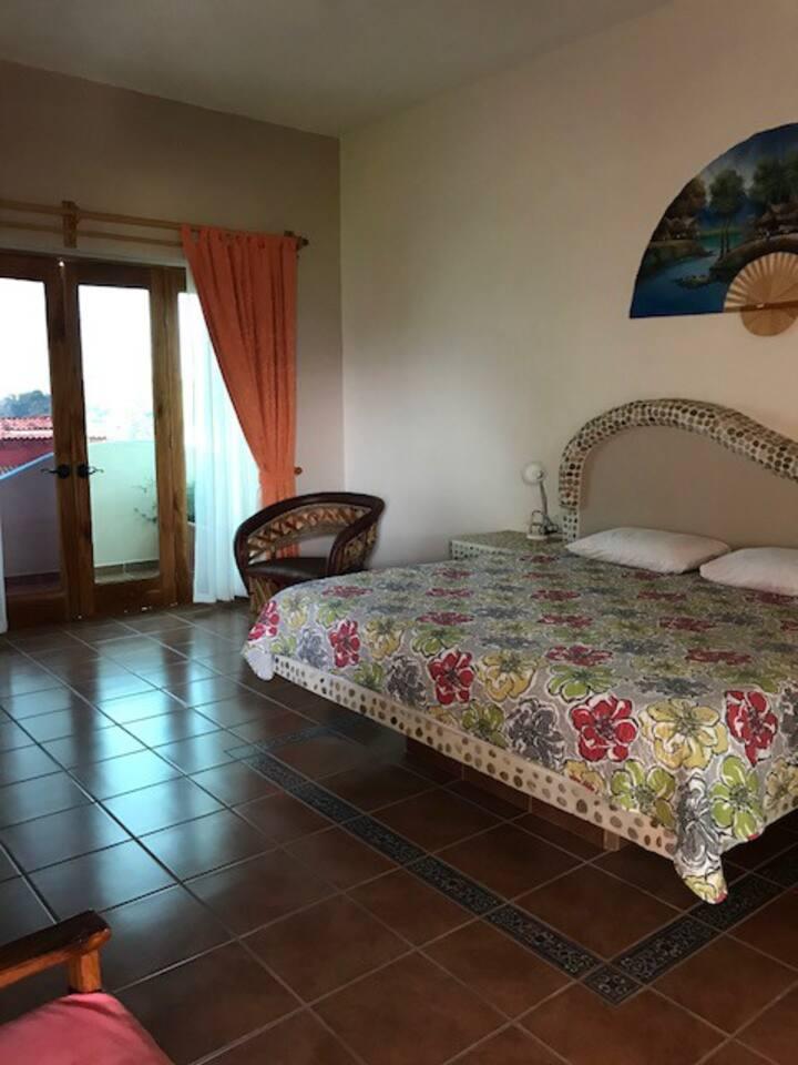 Casa Claro de Luna Deluxe Suite for    2