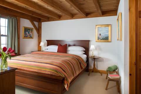 Seven Sea Street Inn - Two Room Suite
