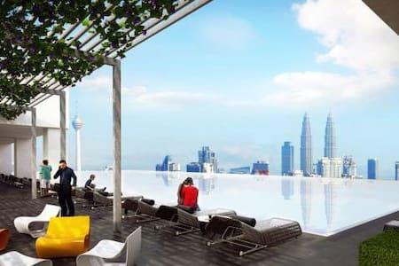 五星级高级全新公寓,优越地点、高楼层景观,舒适二居室 - Kuala Lumpur - Lägenhet