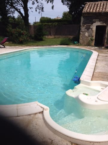 Appartement ds maison avec piscine - Sorgues - Apartamento