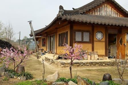 Korean traditional+modernize Hanok w/ clay bricks - Cheongju-si