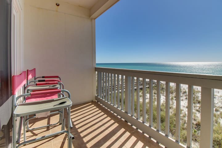 Oceanfront condo w/ shared pool & instant beach access!