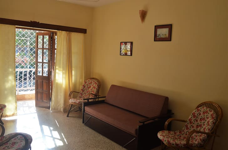 Spacious 2 Bedroom Apartment near Miramar Beach - Panjim