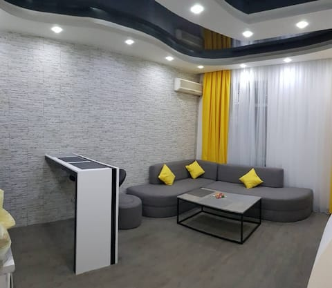 """HEART OF YEREVAN""   APARTMENT OF REPUBLIC  SQUERE"