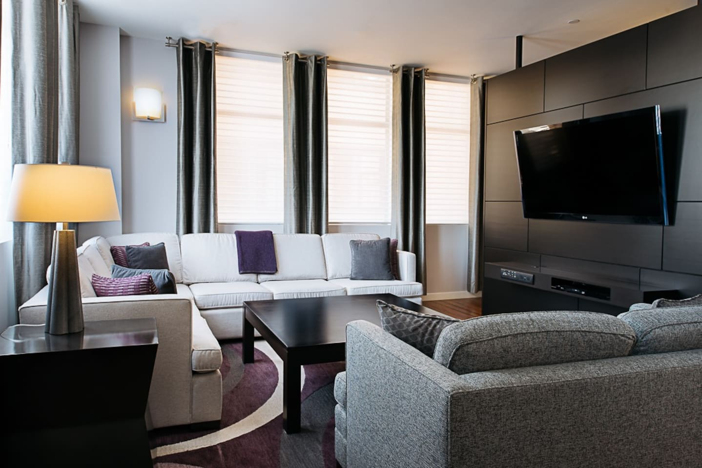 Plaza Suite living room