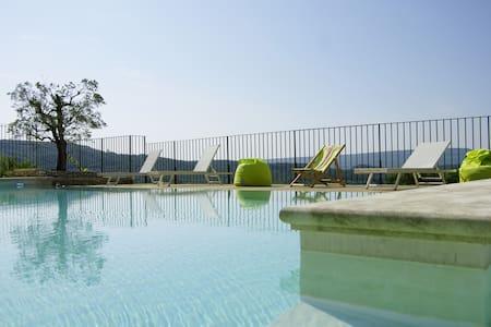 Joli studio avec piscine en Drôme Provençale - Roussas - Apartment