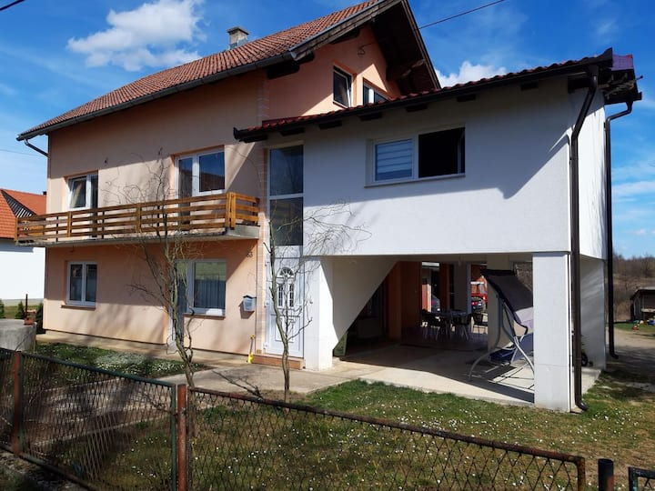 One bedroom apartment with terrace Lipovača, Plitvice (A-17657-a)