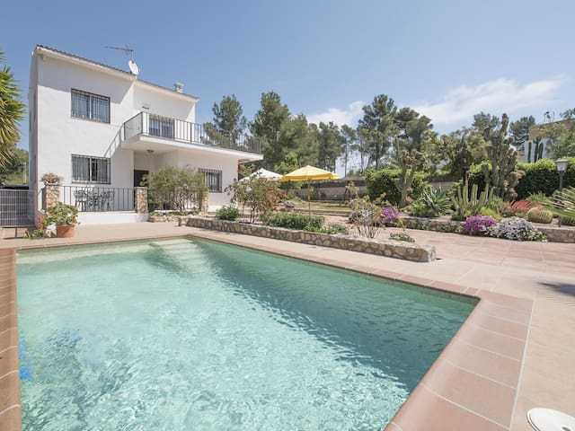 House Les Pins for 7 people
