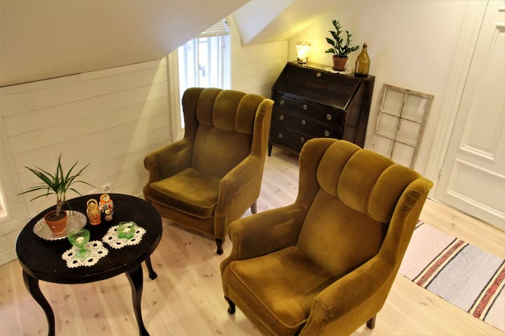 Cozy attic apartment in the heart of the Old Rauma - Rauma - Apartment