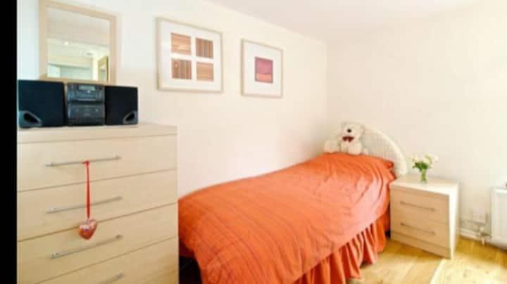 Country Retreat Room near Woburn & Millbrook