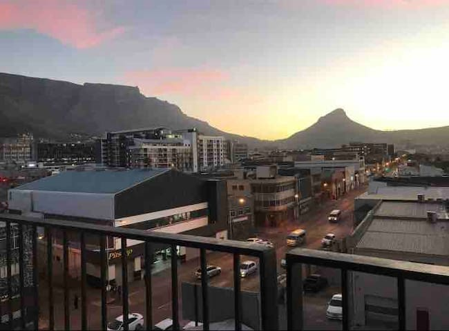 Luxury studio with beautiful Table Mountain views