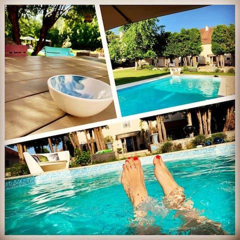 Pool house chic avec cuisine d'été & accès piscine