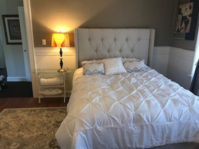 Casa Contenta   The Cafe Ole' Room w/ shared B/R