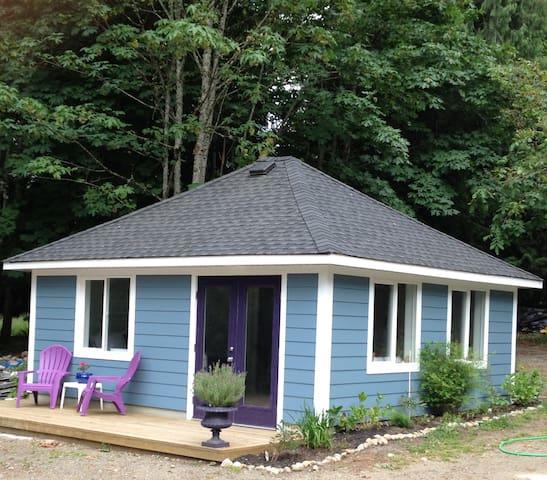Cottonwood Cottages on Fuller Lake