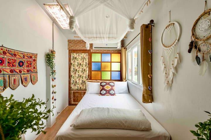 Cozy bedroom for 4 W/ En Suite (Free Breakfast)