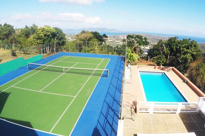 BEST DEAL! The Wintberg Villa -Tennis Court & Pool