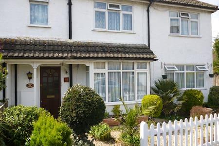 Splash Cottage Bed & Breakfast - Surrey