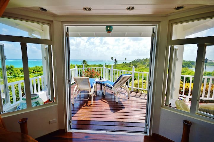 Seaview Sunrise 4 Bed Luxury Villa Spectacular!