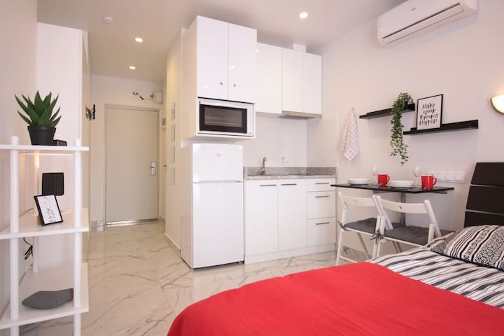 1618 Sea view, apart hotel 90m to sea, all incl