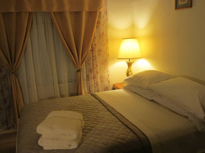 Private room-close to Miami Airport