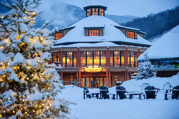 "#319 Stowe Mt Lodge ""Sunny Spruce"" - Stowe - Appartement en résidence"